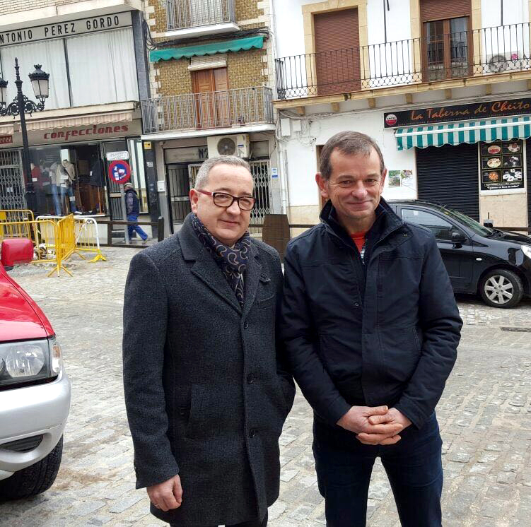 Agustin Garcia y Jose Antonio Ruiz Terres durante su visita a Montefrío