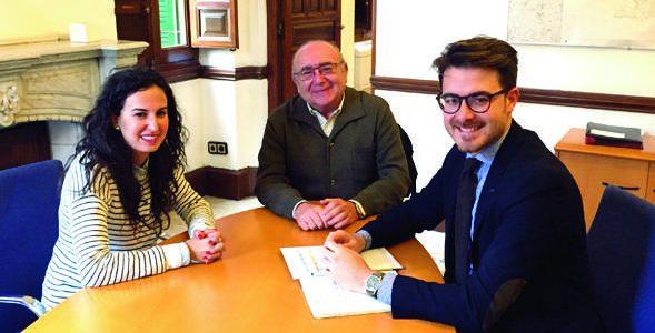 La ALCI se reune con el delegado de Turismo